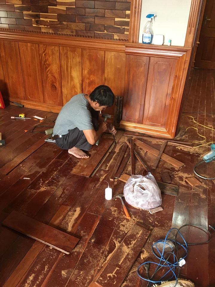 sửa sàn gỗ bị phồng, tháo lắp sàn gỗ tại tphcm