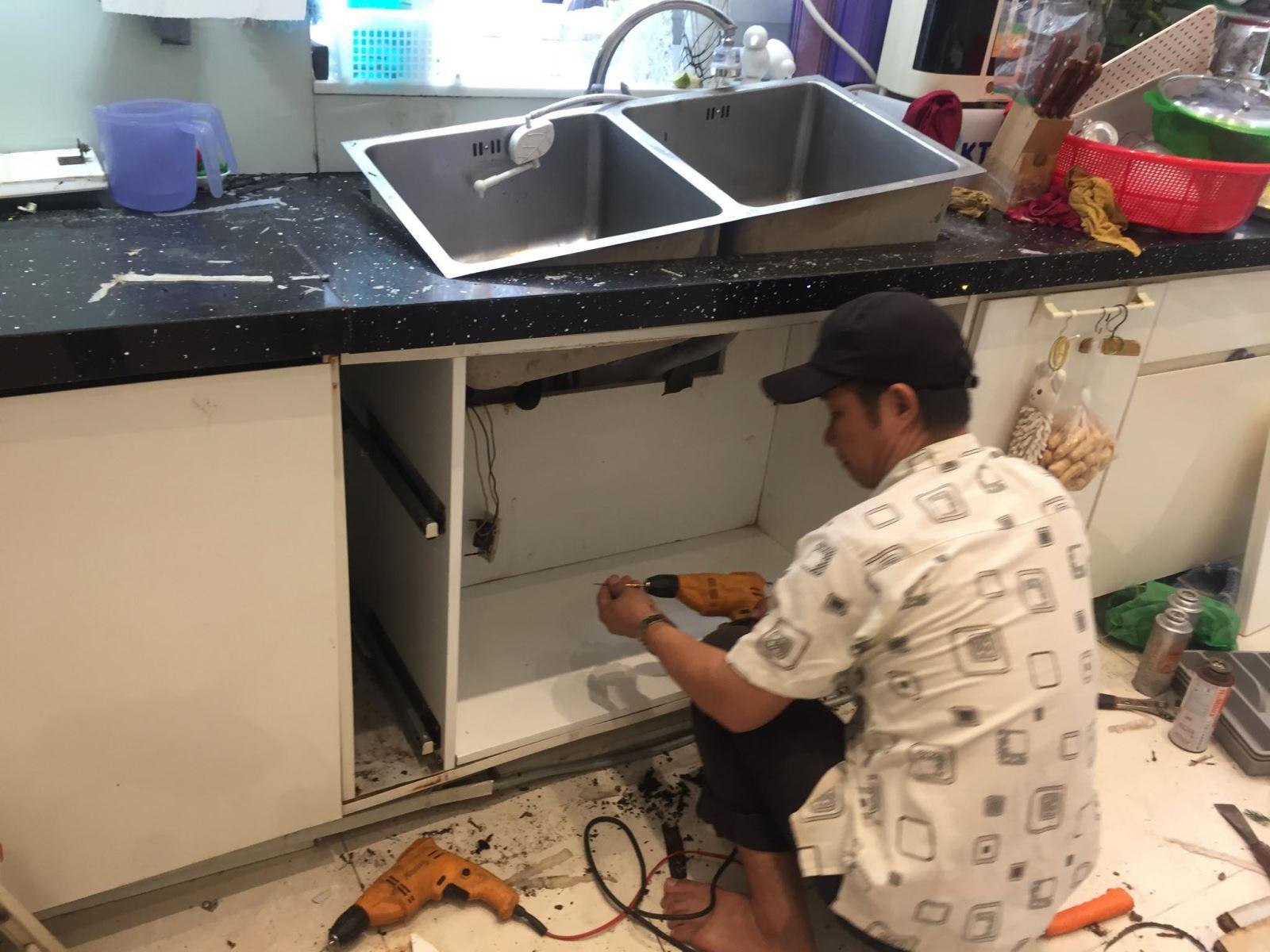 sửa tủ bếp mục tại tphcm