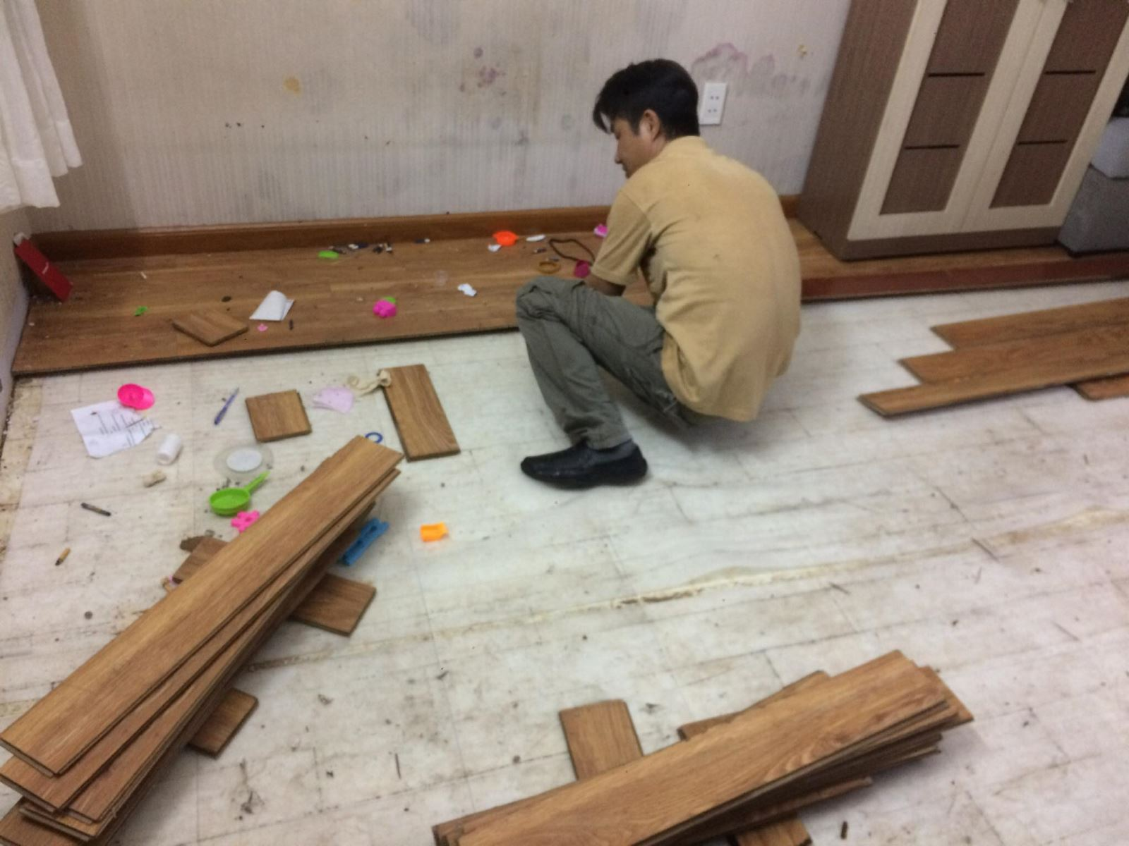 sửa sàn gỗ mối mọt tphcm
