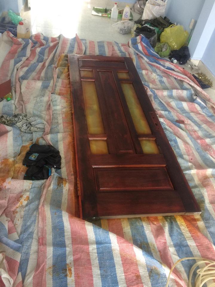 sơn cửa gỗ tại nhà tphcm