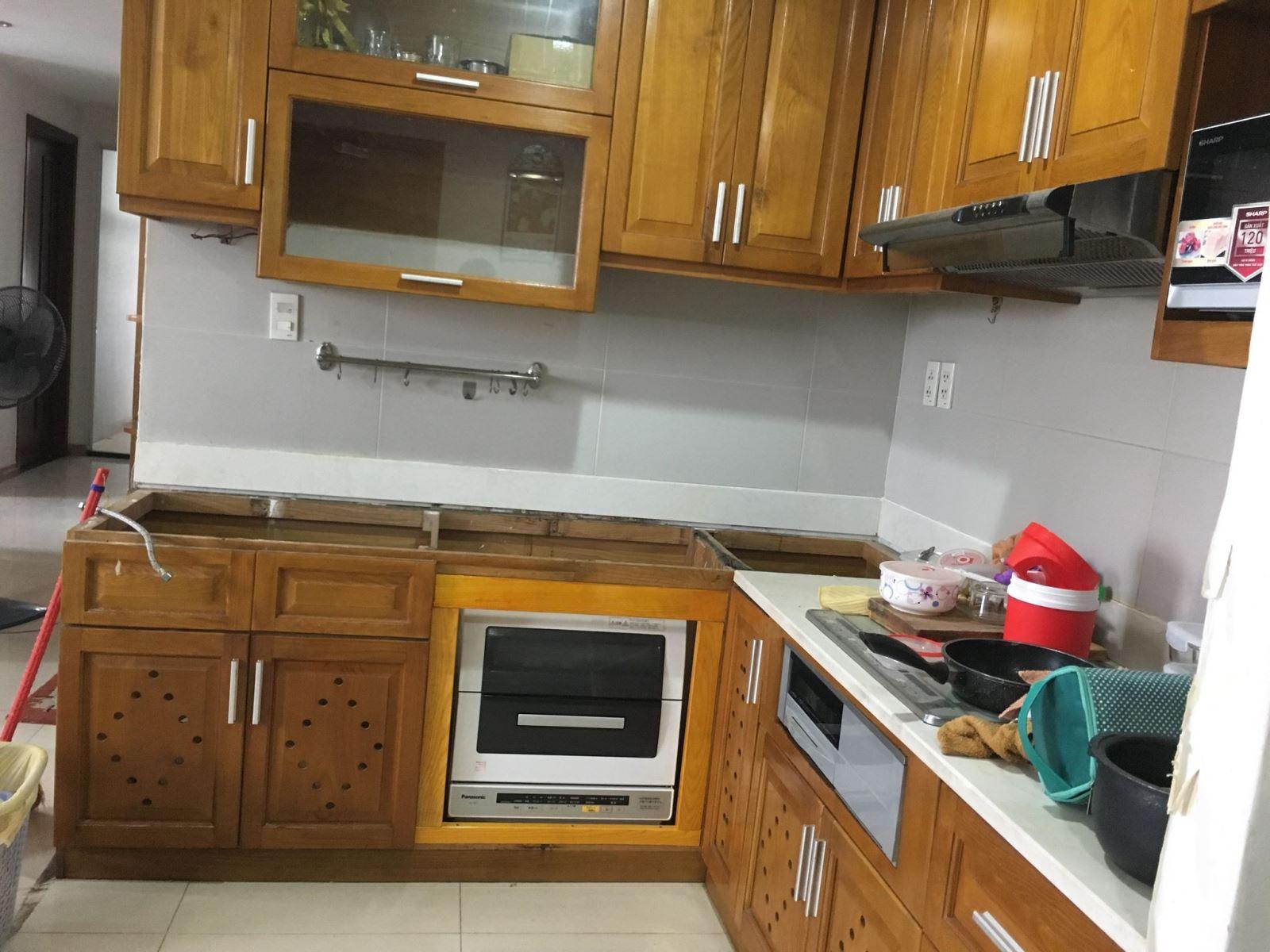 sửa tủ bếp bị mục, ngấm nước tại tphcm